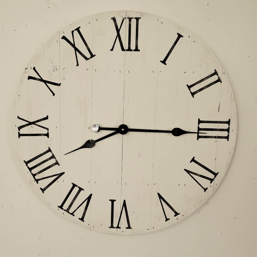 "24"" Pallet Clock, Roman Numerals, Vertical Boards"