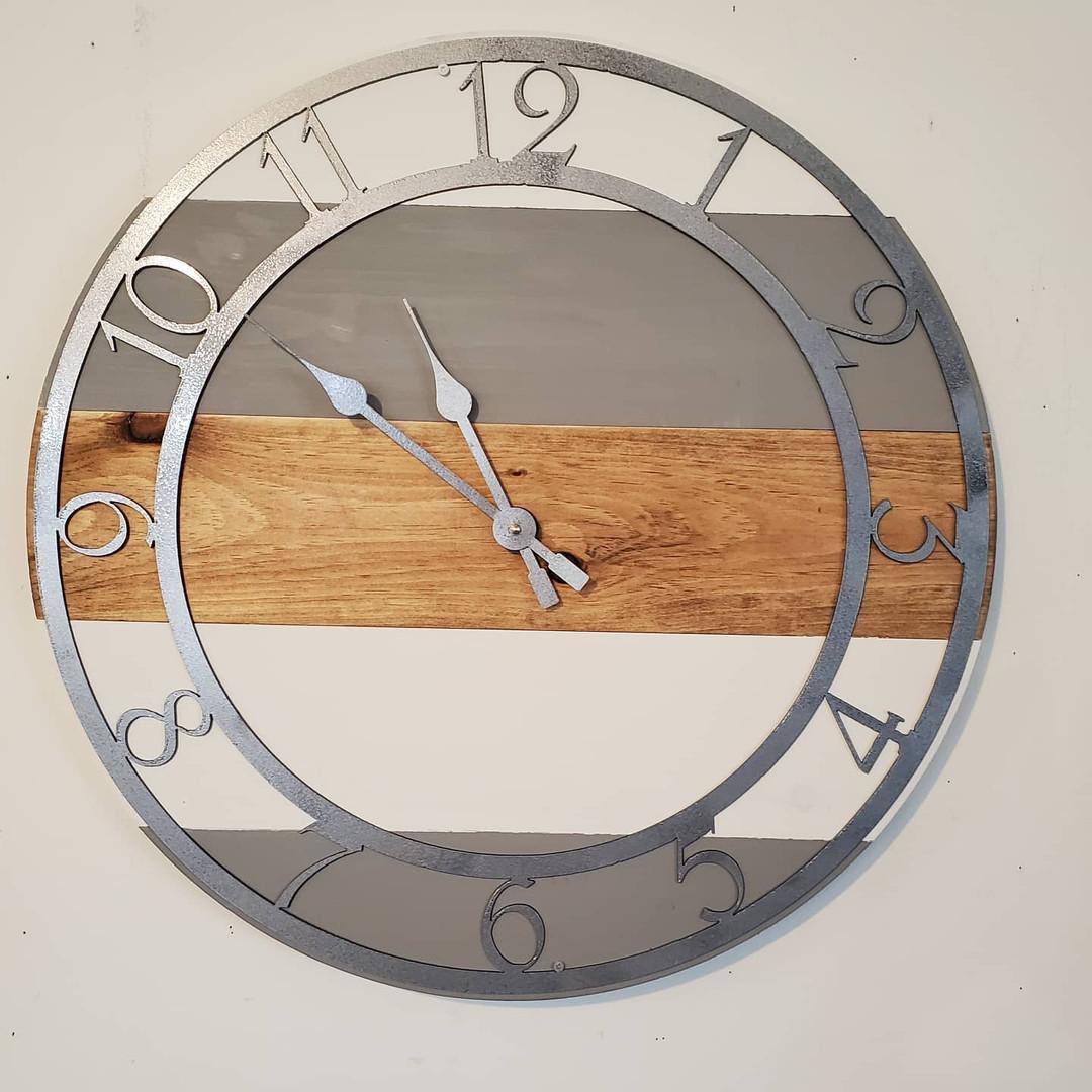 """24"""" Pallet Clock, Metal Numbers"""