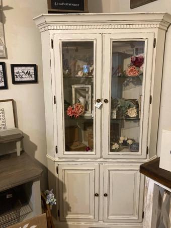 Corner Unit with Glass Doors