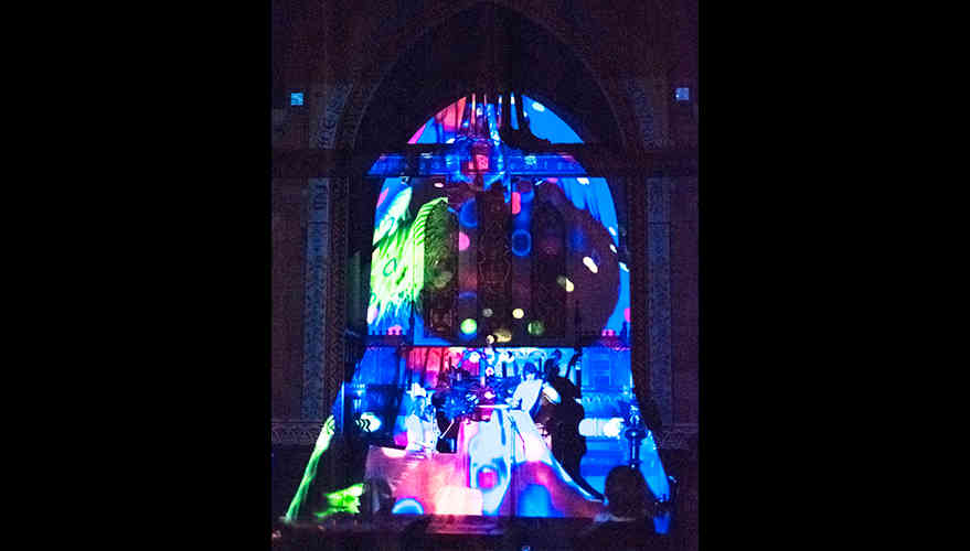Church_projectionMapping2.jpg