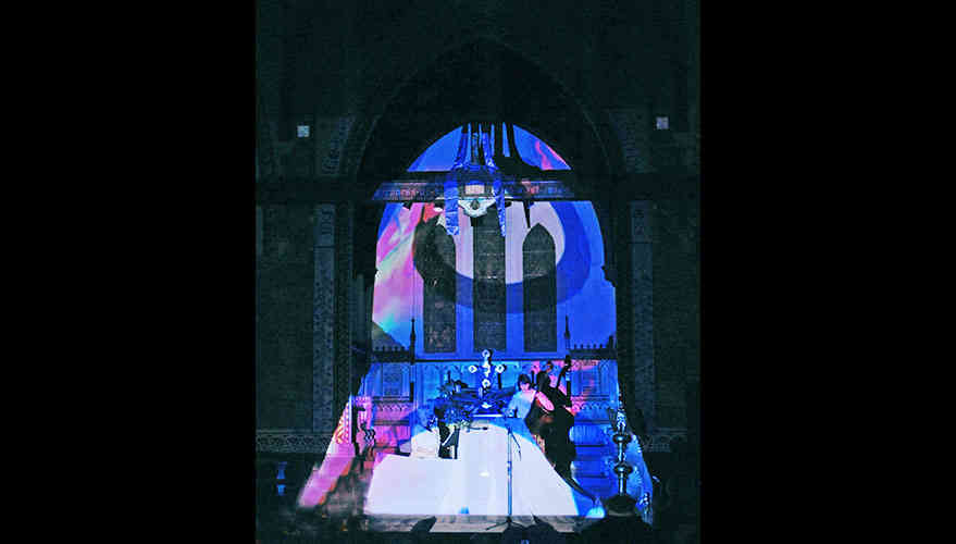 Church_projectionMapping3.jpg