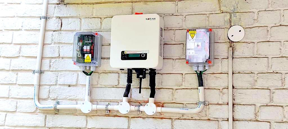Solar inverter with junction boxes