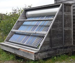 1024px-Evacuated_Tube_Solar_Water_Heater