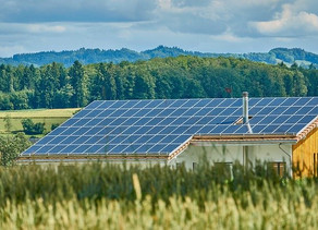 """Living """"off the grid"""" - Using Renewable Energy Technology"""