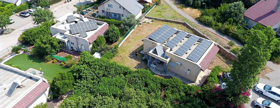 solar-panel-on-the-roof-of-a-house-47957