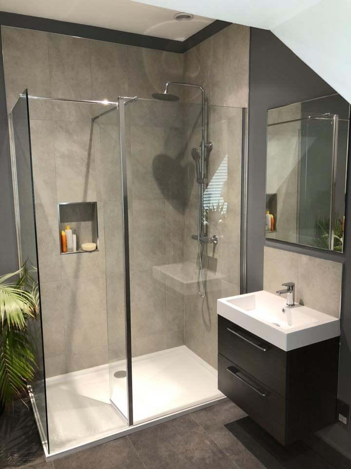 Walk in Shower Enclosures from Harris Bathrooms in Southampton