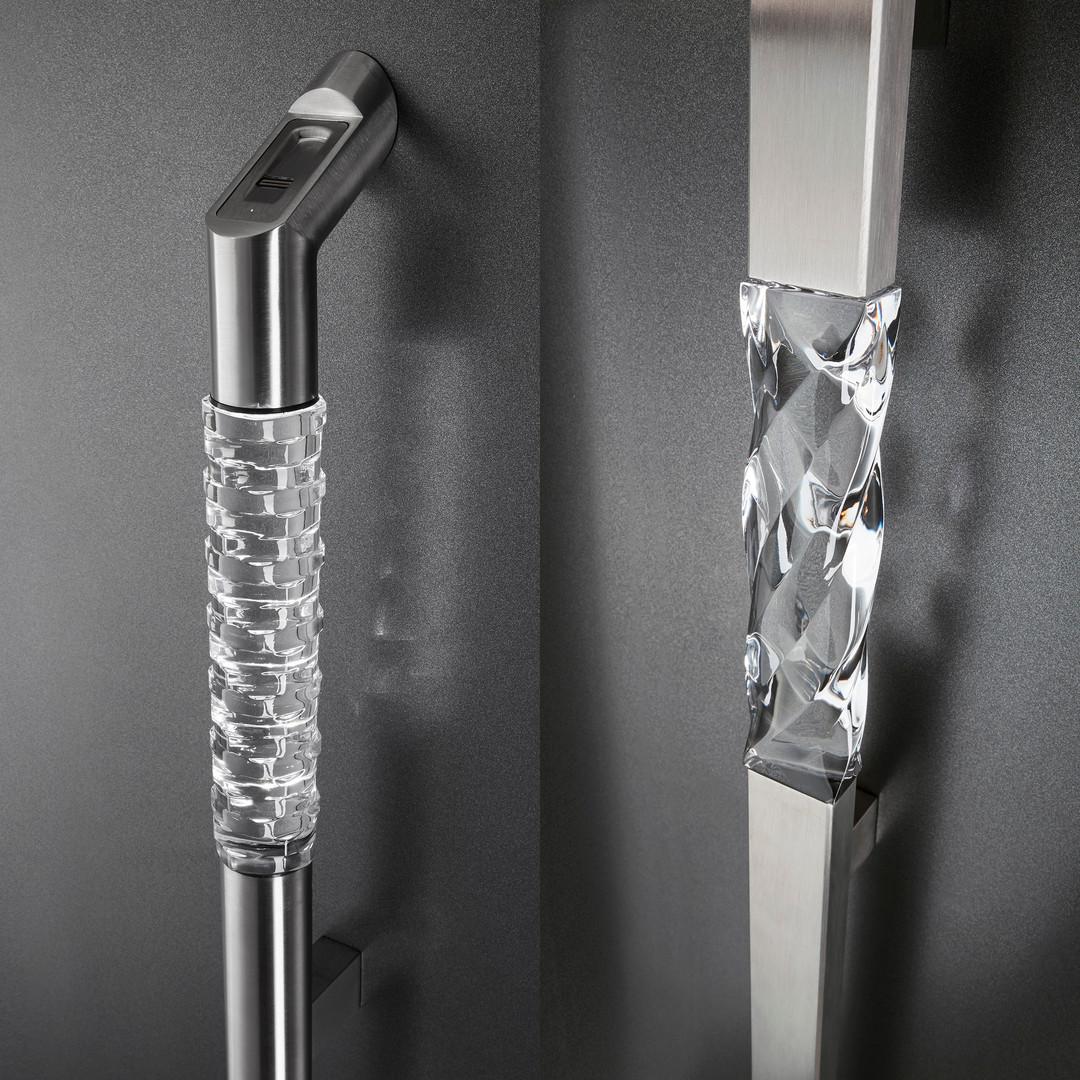 PIRNAR_Crystal-handle.jpg