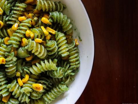 roasted corn & spirulina pasta