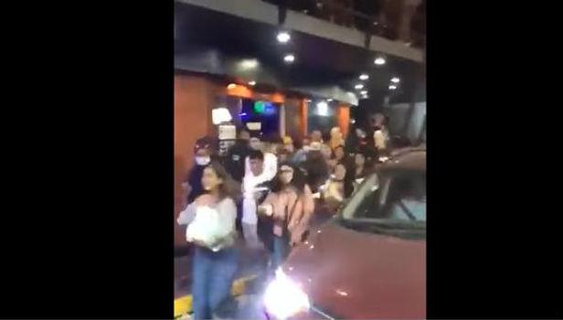 Jóvenes que se divetian en discoteca huyen para evitar ser detenidos en Lambayeque