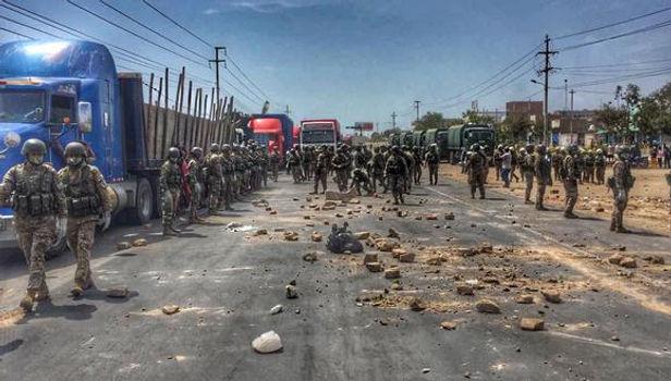 Militares llegaron a protesta y desbloquearon varios tramos de la Panamericana Norte