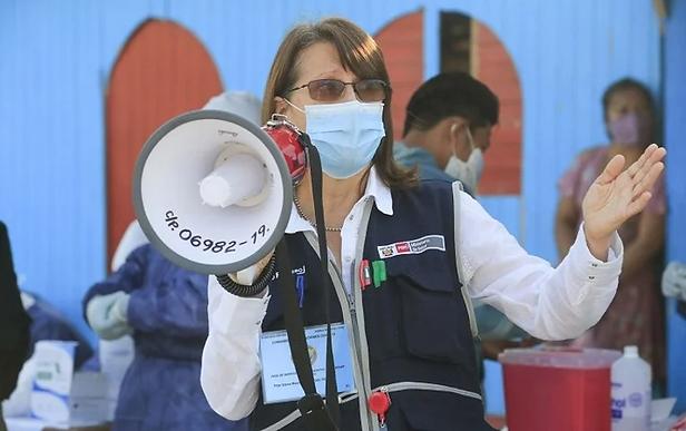 Ministra de Salud proyecta vacunar a 24 millones de adultos contra el Covid-19