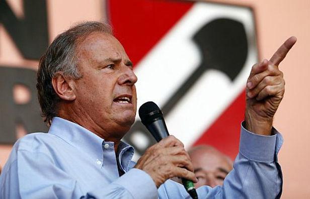 Alfredo Barnechea le dice adiós a su precandidatura presidencial con Acción Popular