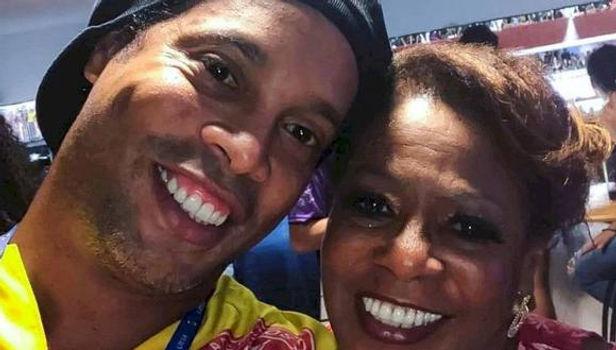 Mamá de Ronaldinho fue internada de emergencia por COVID- 19