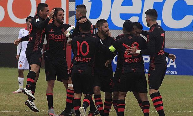 Melgar goleó 4-0 a Sport Huancayo por la fecha 8 de la Fase 2