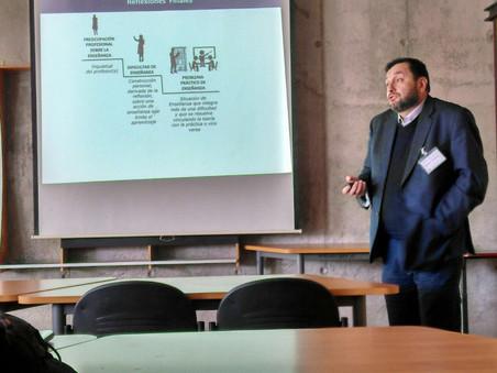 Patricio Oyarzún tesista asociado al Proyecto Fondecyt 11140297 y miembro del grupo Ci&En expone