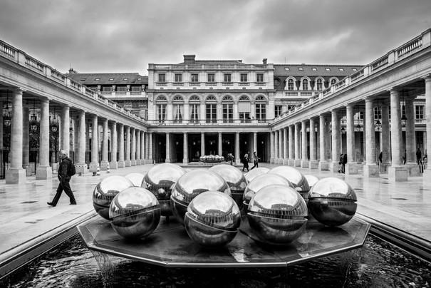 Palais Royal - Fontaines de Pol Bury