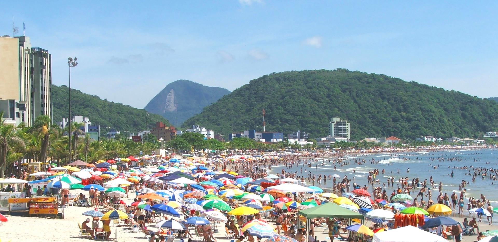 Praia_central_de_Guaratuba.jpg