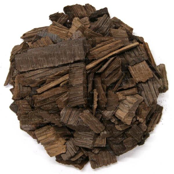 Chips de Carvalho francês média tosta. Aumenta a sensação de doçura e aporta notas de baunilha, côco e madeira.