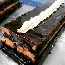 Instagram - מה היינו עושים בלעדיו? עוגת שכבות עמוסה בשוקולד.jpg שכבות מוס שוקולד