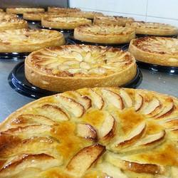 Instagram - מתכוננים לסופשבוע קריר.jpg.jpg.jpg מסדר של טארט תפוחים מחממים עם קרם