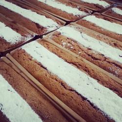 Instagram - עוגות פרג.jpg מוצר צריכה בסיסי.jpg