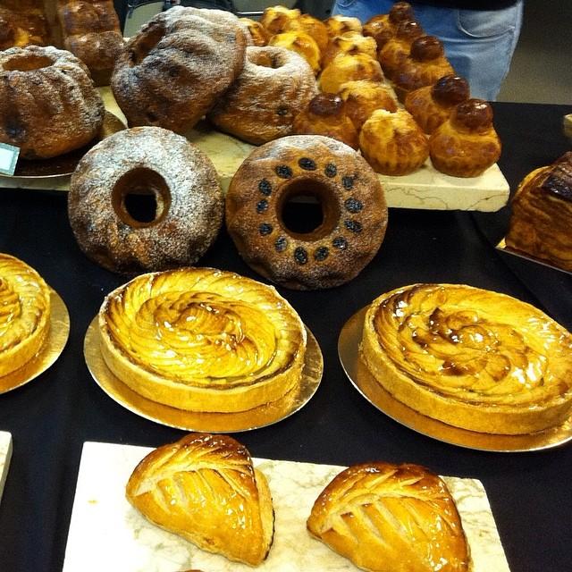מגוון עוגות, טארטים ומאפים