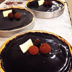 Instagram - טארט שוקולד בלגי בעיטור טראפלס.jpg להשיג היום אצל נוניס דיזינגוף סנט