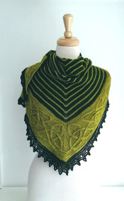 Triangular Shawl with Celtic Cable Design