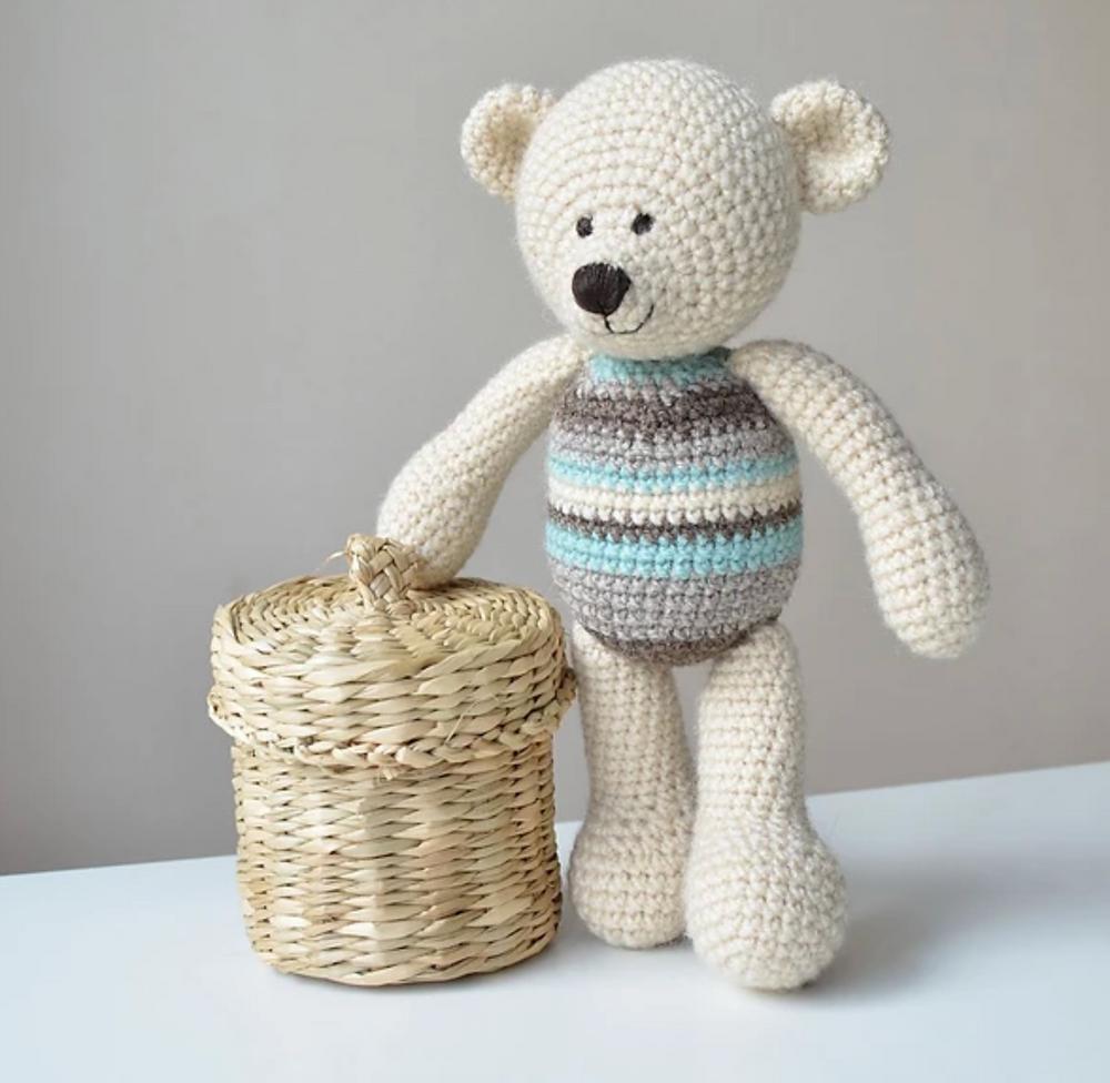 Magnus Bear by Tatsiana Kupryianchyk