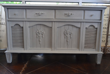stereo-cabinet-painted-in-jolie-paint-mi