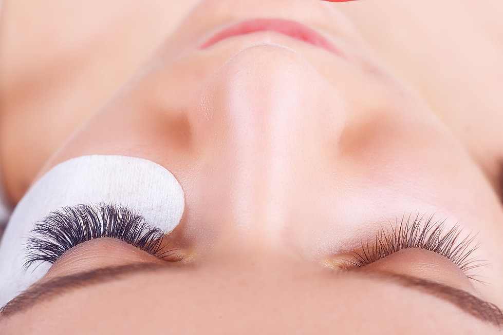 Applying-Eyelashes.jpg