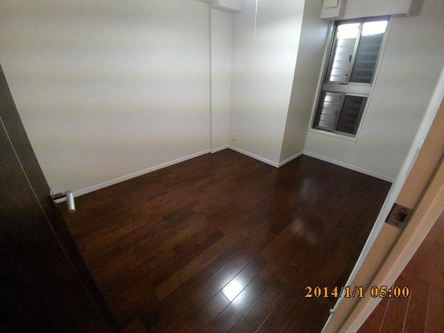 No.4 bedroom.JPG