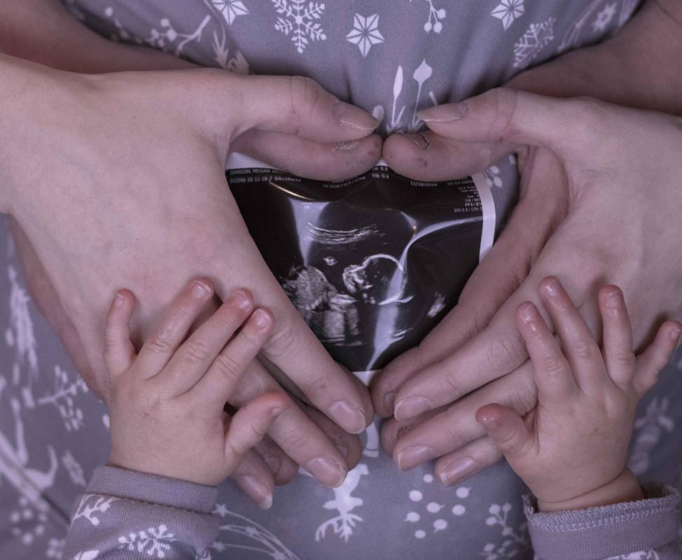 Family Pregnancy Announcement!