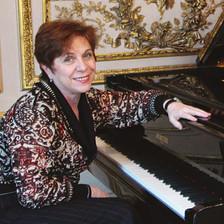 RENA SHERESHEVSKAYA ▪ piano