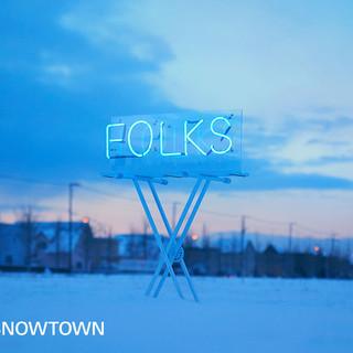 FOLKS SNOWTOWN