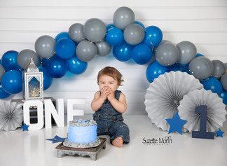 Cake smash/blue and gray