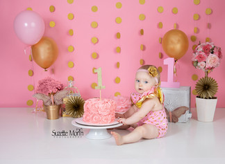 cake smash pink and gold