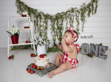 cake smash strawberries