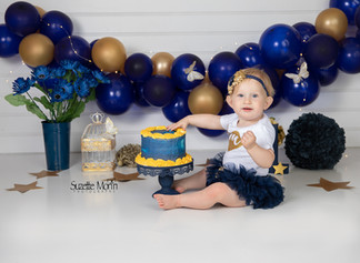 cake smash navy and gold