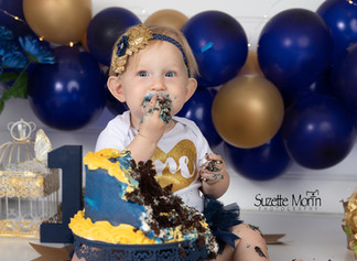 cake smash navy and gold
