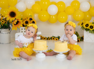 cake smash sunflowers
