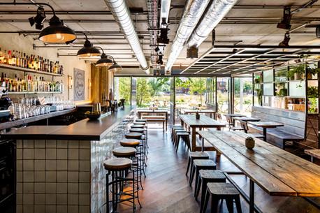 Randys Wing Bar - Interior design