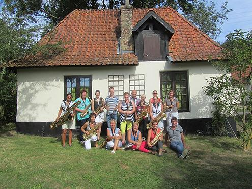 Groepsfoto tijdens studie-weekend in Wambercourt (Fr.) sept.2013