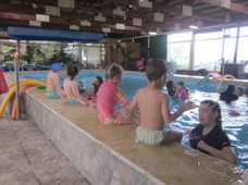 פעילות בבריכה טיפולית – לגנים טיפוליים