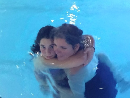 Floating into Mitzvah's - Joint mother–daughter program for the Bat Mitzvah year