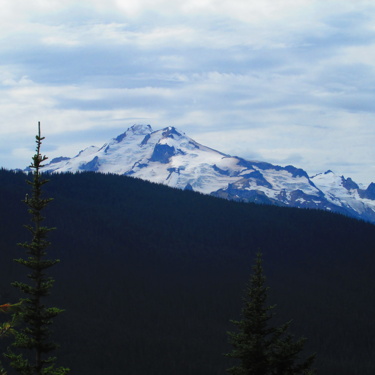 Glacier Peak is a pretty mountain even without a spectacular sunset.  This area was my favorite in Washington.
