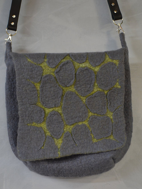 Pebble cross body bag in gray and lime