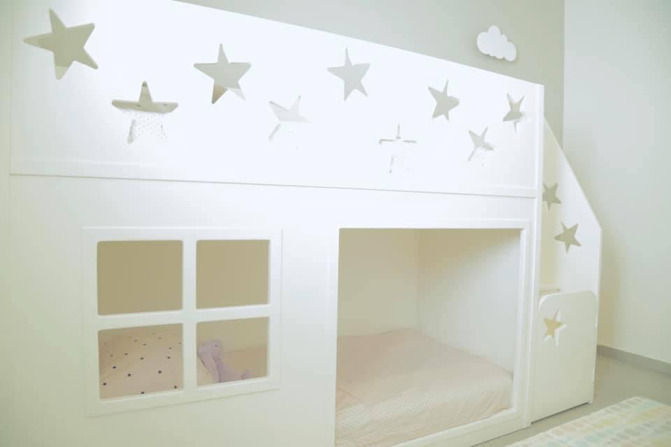 מיטת קומותיים - תל אביב