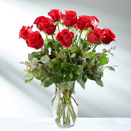 Classic 12 Red Roses