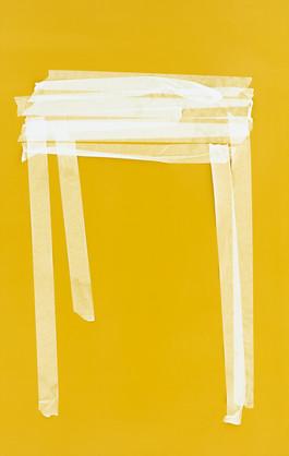 Gelb-weisser Tisch